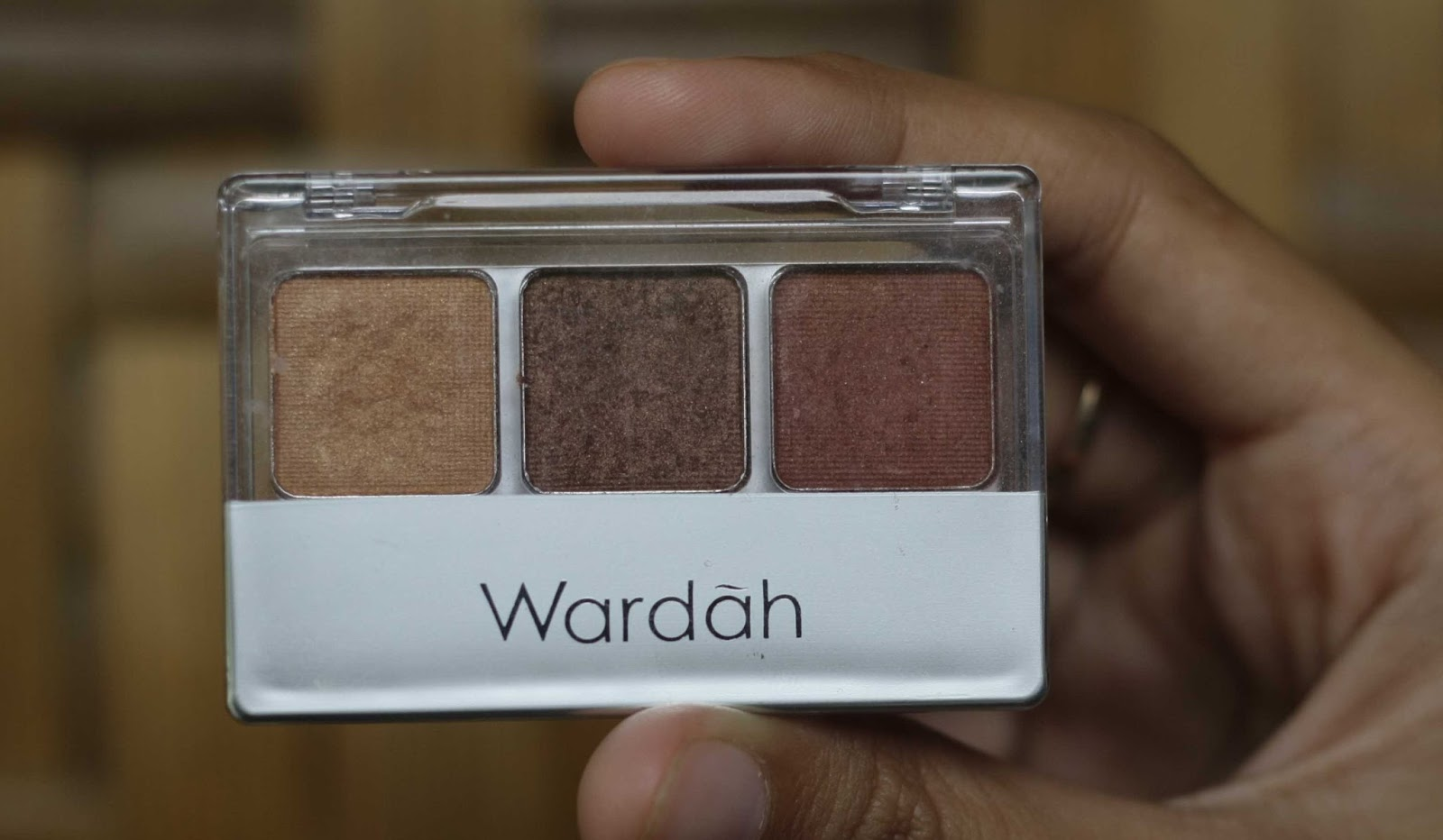 Review & Swatch : Eye Shadow Wardah Seri A ~ Naya's