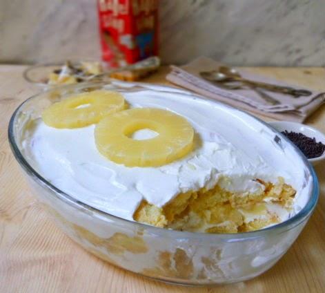 tiramisù leggero con yogurt e ananas