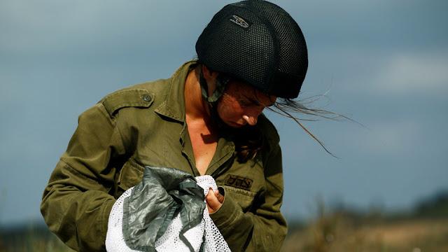 ضباط في الجيش الإسرائيلي المرأة تمنعنا من الانتصار!