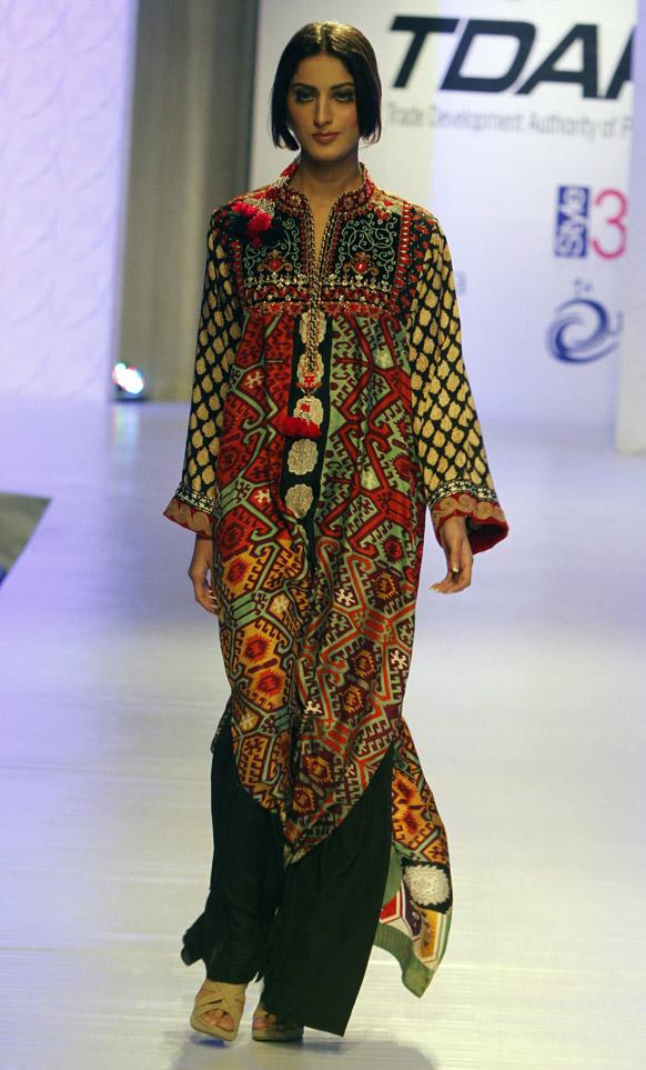 Fashion World Latest Fashion: Pakistani Girls Fashion