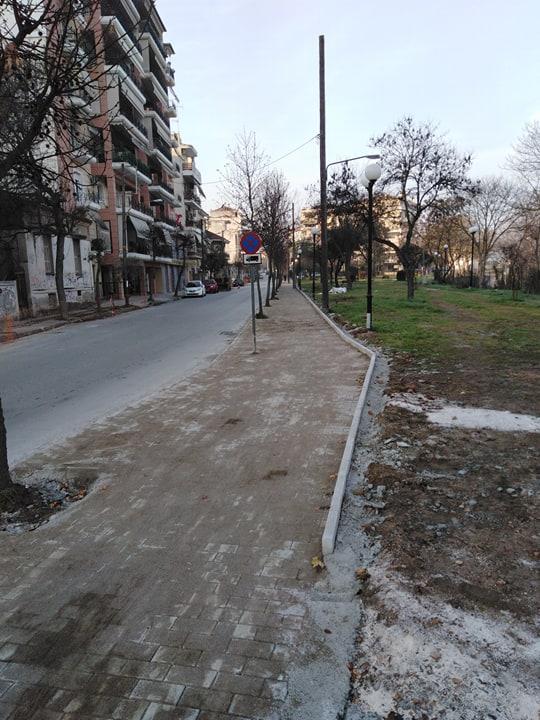 Νέα πεζοδρόμια στην οδό Κραννώνος στη Λάρισα