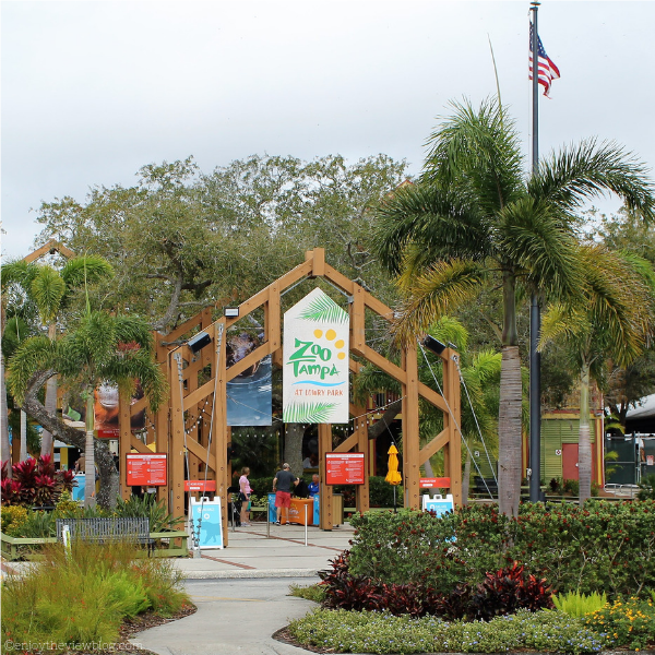 entrance of Zoo Tampa