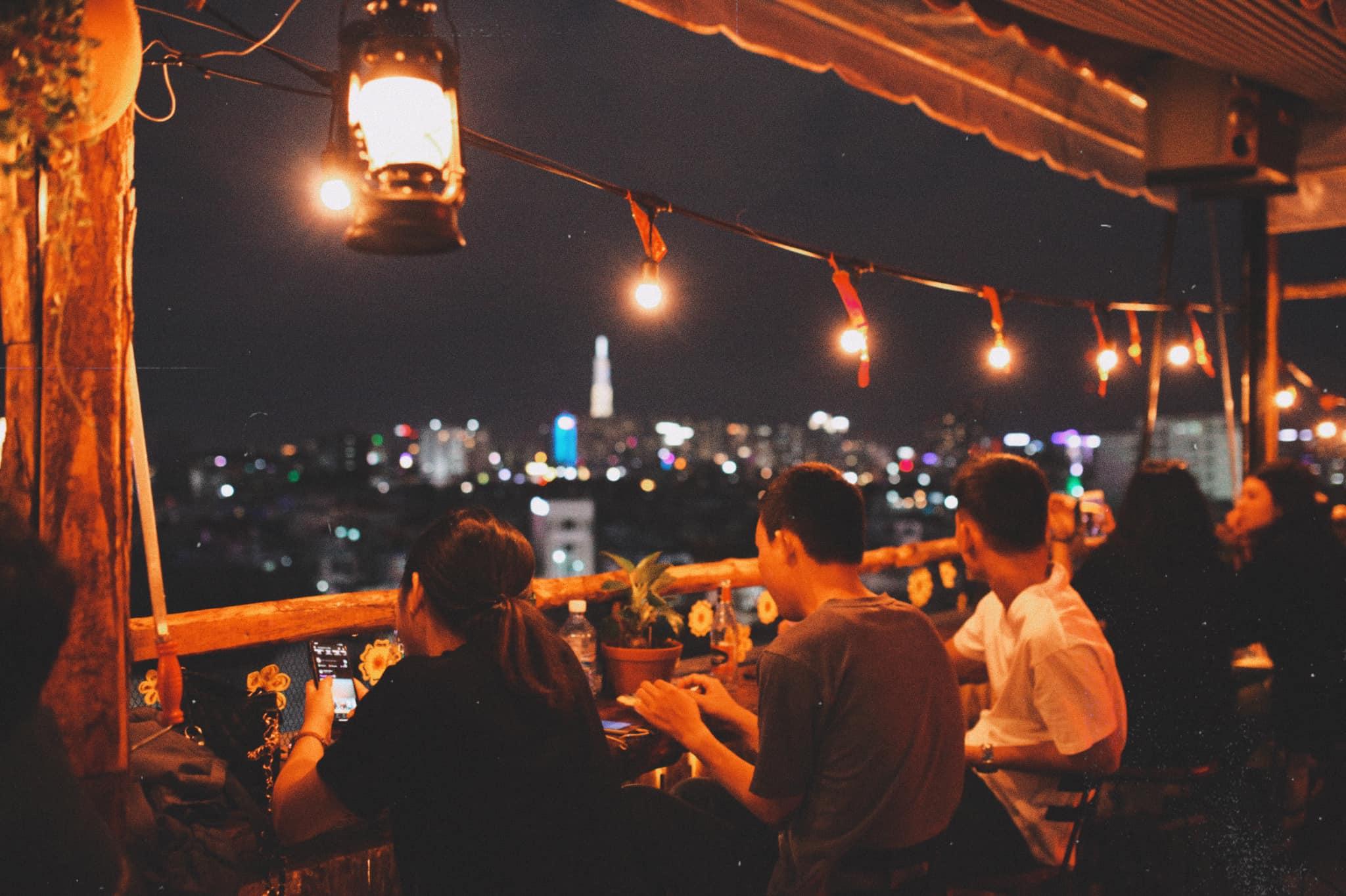 Ráng Chiều Rooftop Quận Phú Nhuận - Đà Lạt giữa lòng Sài Gòn