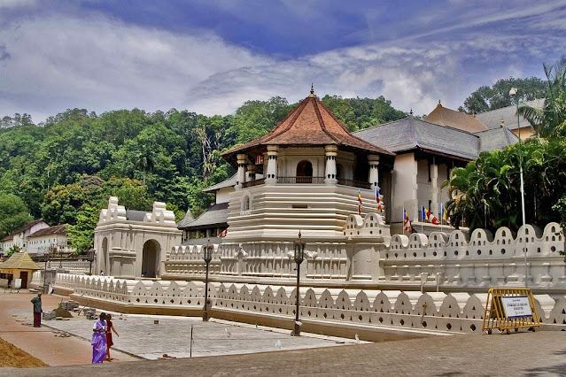 معبد السن المقدس