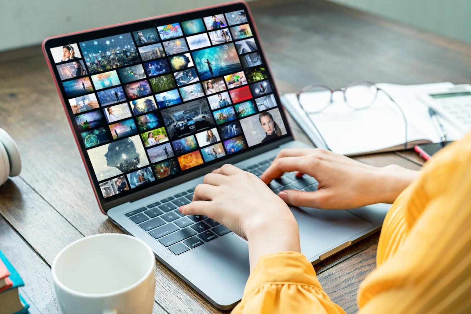 Bahaya di Balik Situs Film Streaming Ilegal Seperti IndoXXI