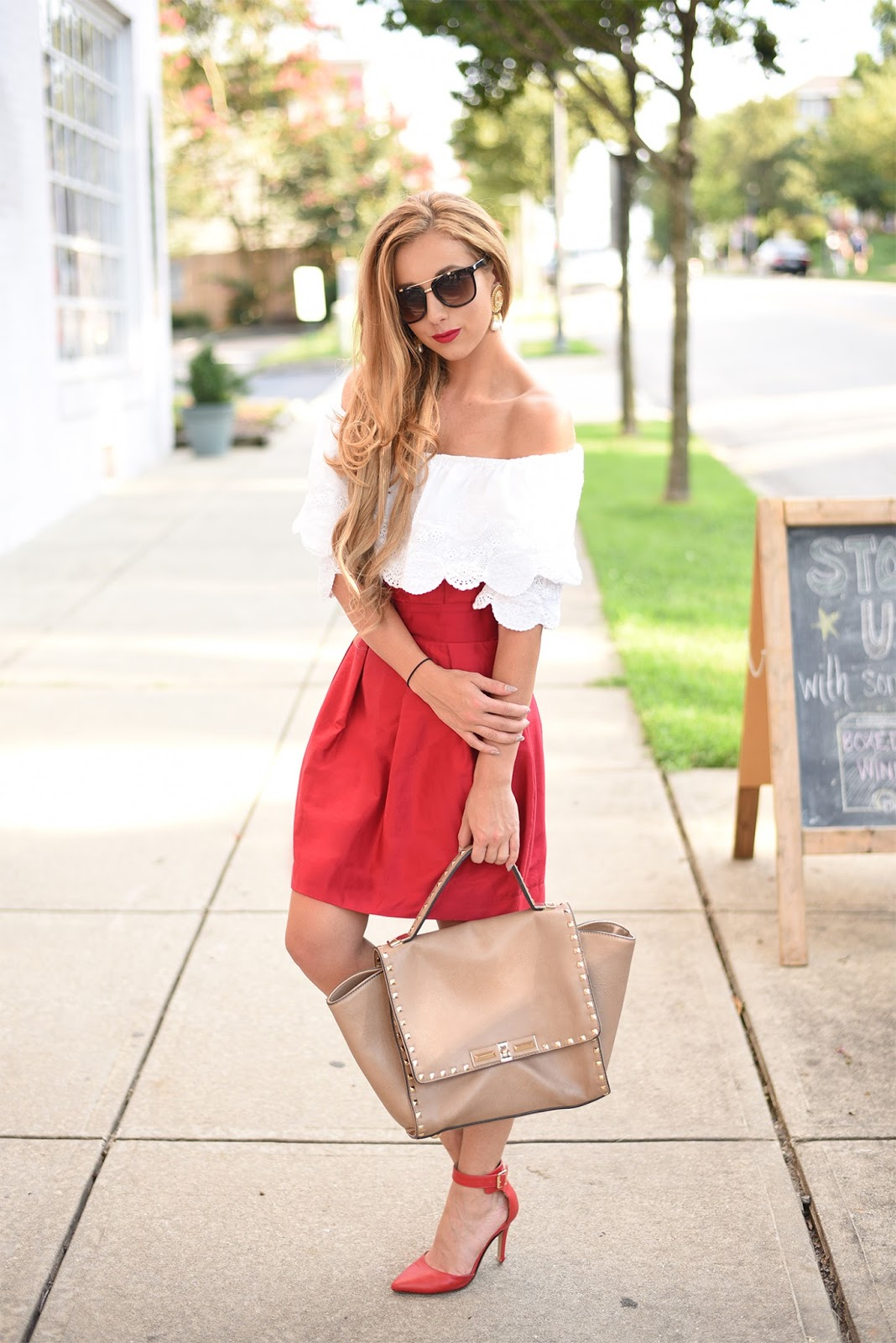 How-to-wear-red-lips-and-off-the-shoulder-top-for-summer-fourth-of-july