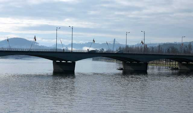 The bridge was designed by Edgar Cardoso (1913-2000)