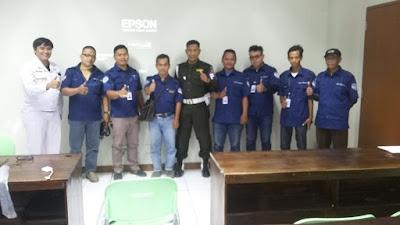 koordinasi keamanan jemputan karyawan pabrik di kawasan Bekasi