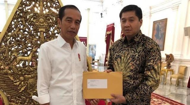PDIP: Jokowi Bodoh Kalau Pertaruhkan Reputasi Demi Si Bobby dan Si Gibran