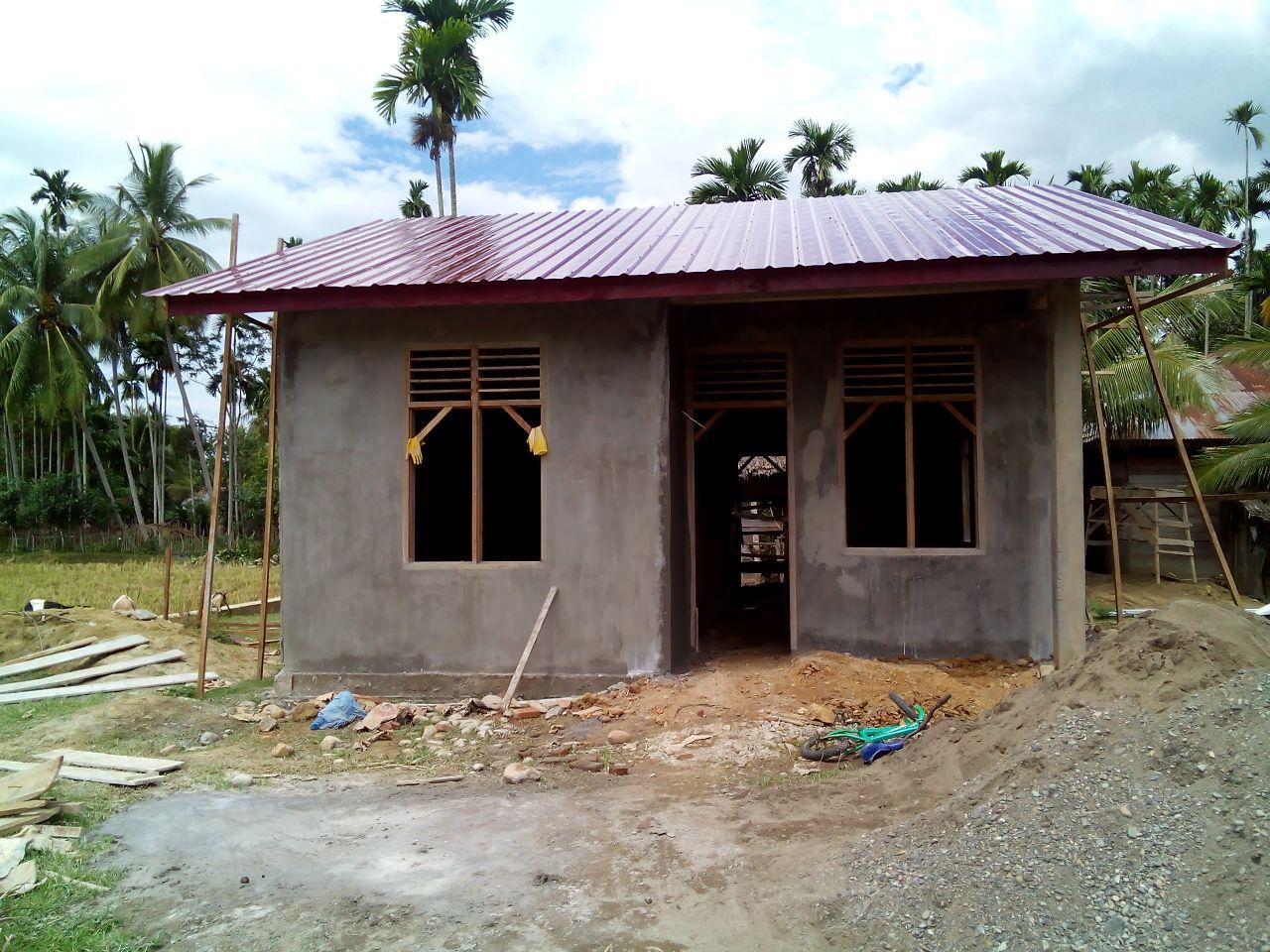 Lima Kepala Keluarga Miskin Di Gampong Cot Baroh Dapat Bantuan Rumah