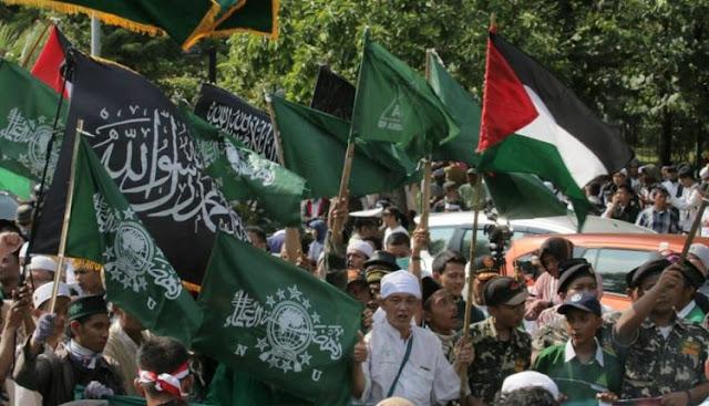 Diwarnai Aksi Bakar Bendera, Demonstran di Kedubes AS Jakarta: Yerusalem Milik Umat Islam