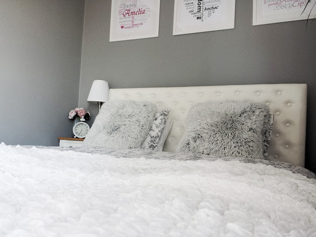 Pościel Alvine Kvist i koc Ofelia IKEA