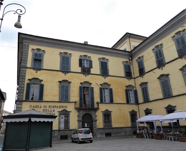 facciata del palazzo pavesi