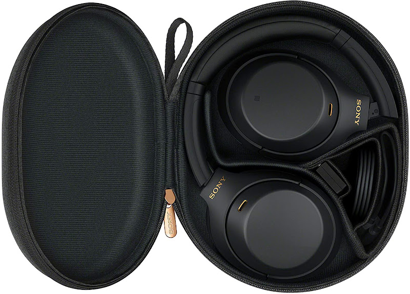 Sony WH-1000XM4 in its bag