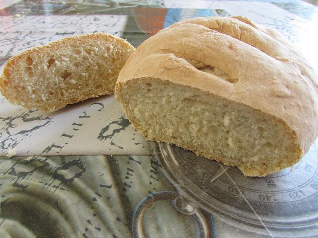 Pszenne chlebki na zaczynie drożdżowym