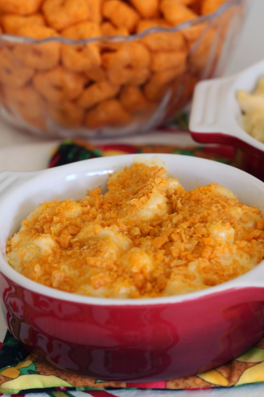 Macaroni and Cheese with Cheez-It Topping | Tortillas and Honey