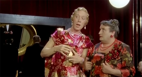 Max von Sydow and Alberto Lionello femulating in the 1977 Italian film Gran Bollito.