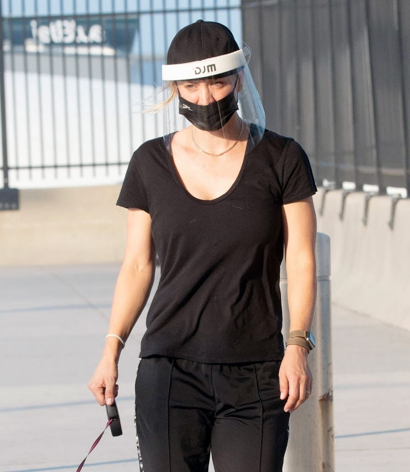 Kaley Cuoco Clicks at JFK Airport in New York 10 Aug -2020