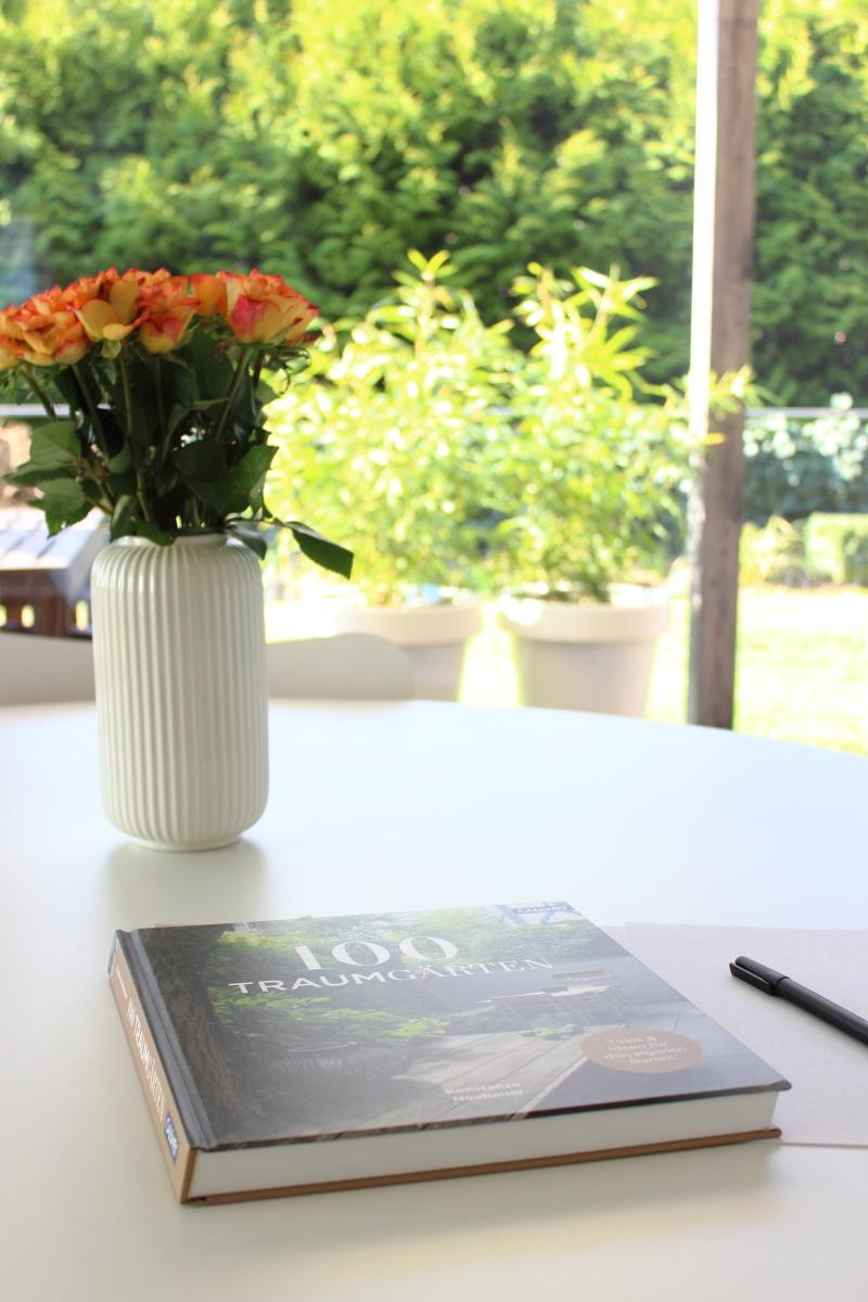 100 Traumgärten, Bildband Callwey Verlag, Buchvorstellung bei kebo homing, dem Südtiroler Food- und Lifestyleblog, Arbeiten im Garten während Coraona Hausarest, #ichbleibezuhause #stayathome #iostoacasa