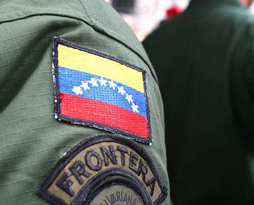 ¿BACHAQUEROS? Dos militares detenidos en Zulia por vender productos de la cesta básica
