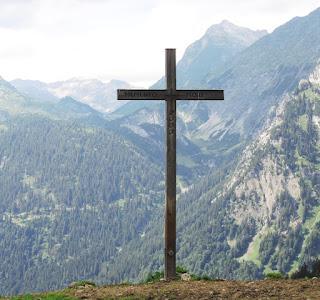 Kreuz auf Satteineser Alpe