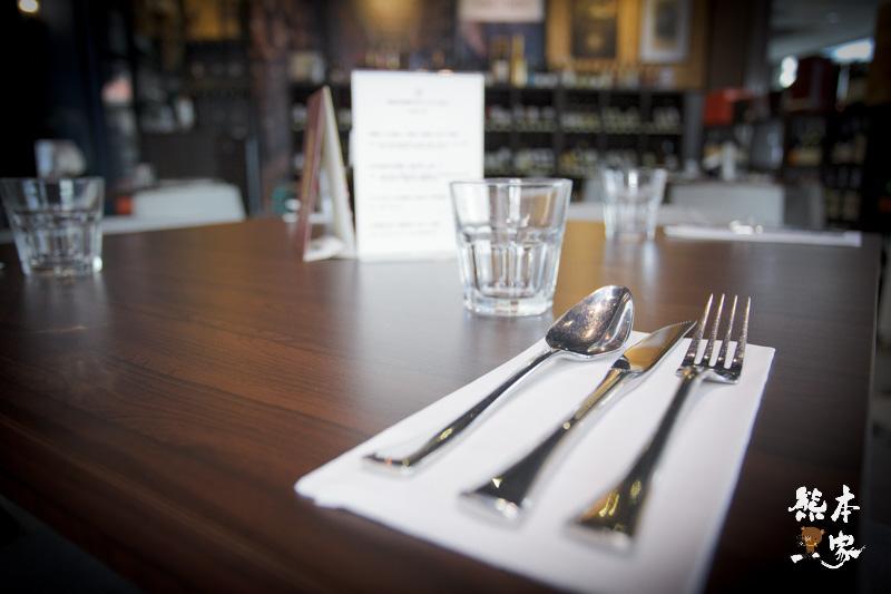 台中西屯區美食|高冠咖啡餐酒館|永豐棧酒店正對面~高貴不貴藍帶饗宴