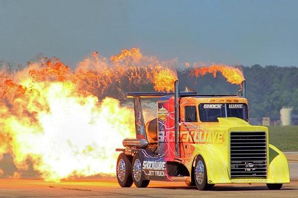 Shockwave Jet Truck el camión más rápido del mundo