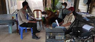 Bhabinkamtibmas Polsek Baraka Polres Enrekang Kontrol Desa Binaan