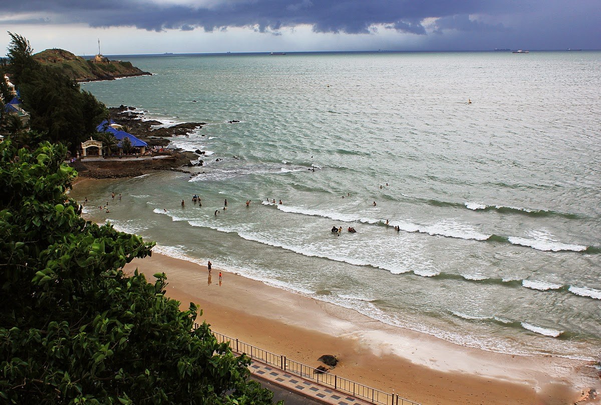 Vung Tau, a favorite beach of Southern people 7