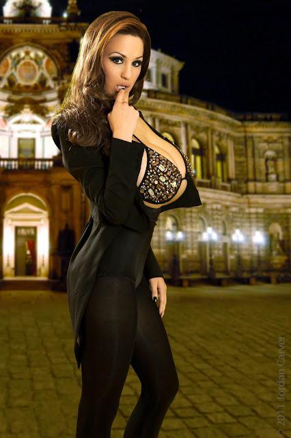 Jordan-Carver-Manege-sexy-photoshoot-hd-hot-image-16