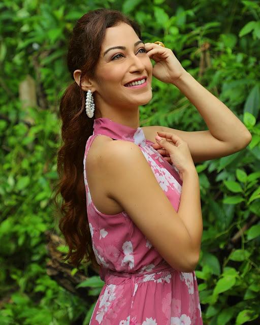 Indian Television Actress Sunayana Fozdar Latest Photoshoot Stills Actress Trend