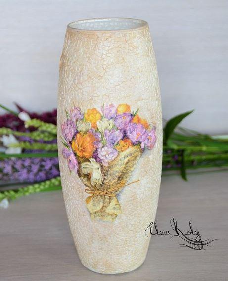 Recicla cascarones de huevo y decora jarrones de vidrio for Jarrones de vidrio decorados