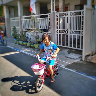 Belajar Naik Sepeda dengan Mudah a la Kayyisah