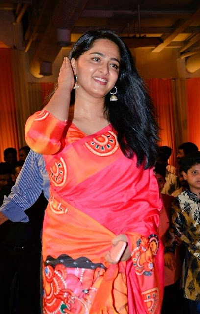 Anushka Shetty in Pink Saree @ Shyam Prasad Reddy's daughter Maithri's wedding