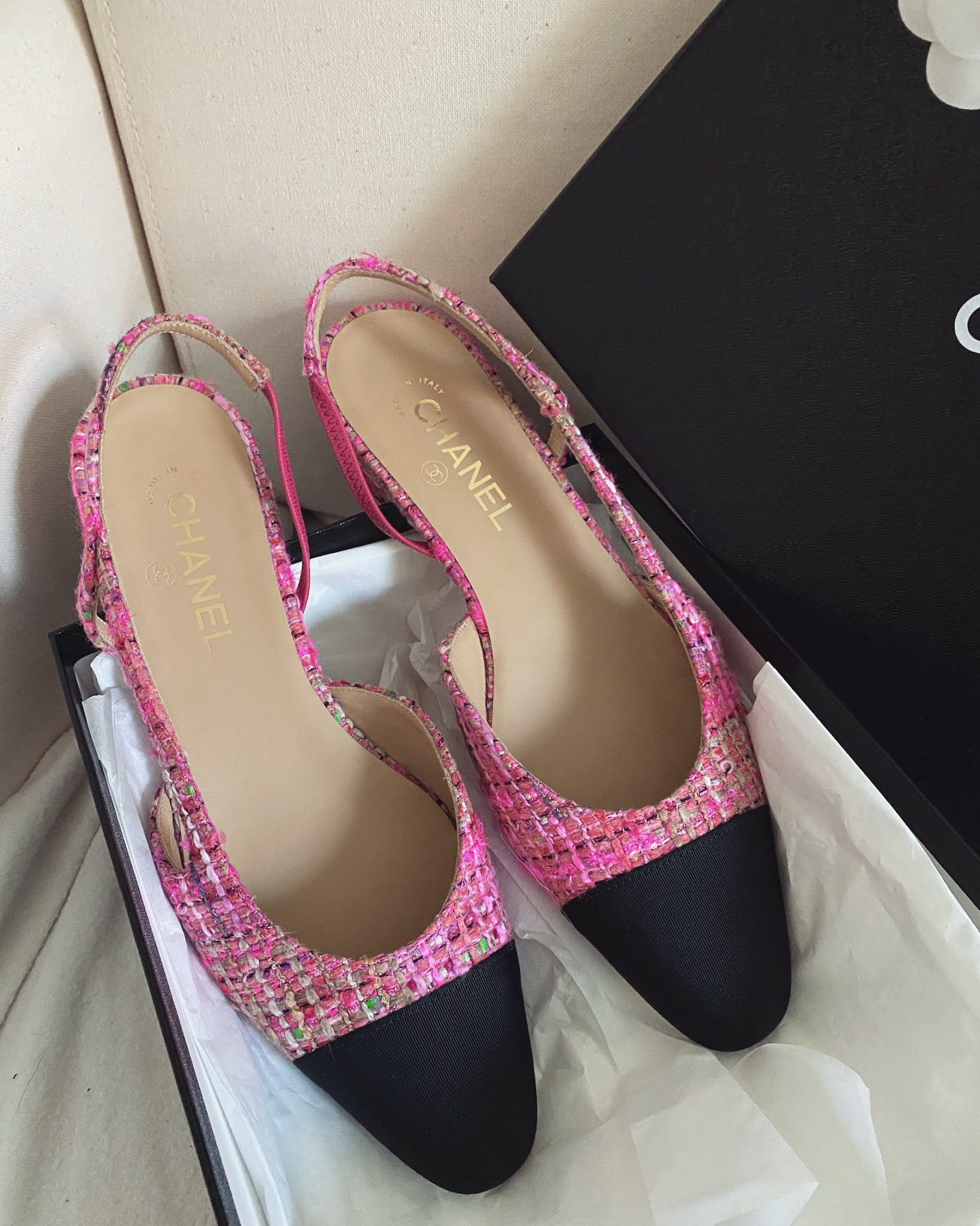 Chanel pink tweed cap toe shoes
