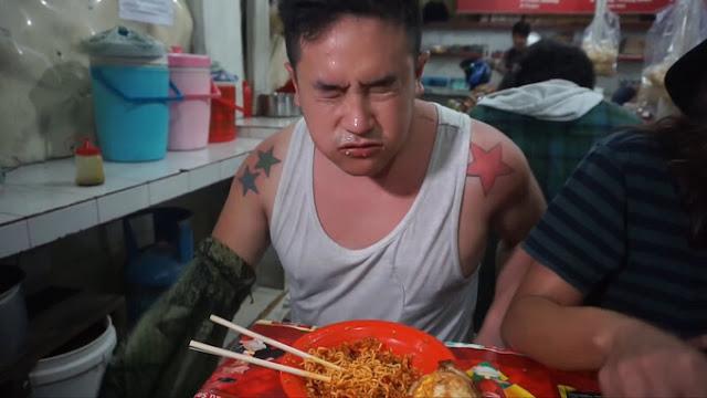 Ben Sumadiwiria cho rằng mình trải qua cảm giác kinh khủng nhất trong đời khi ăn mì cay Indomies