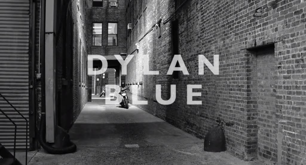 modello modella versace dylan blue testimonial spot 2016