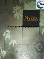 http://www.butikwallpaper.com/2013/07/wallpaper-piona.html