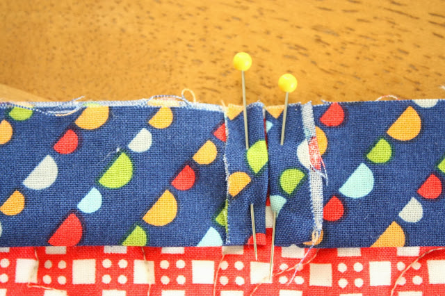 How to Finish a Quilt and Bind It, a tutorial featured by top US quilting blog, Diary of a Quilter