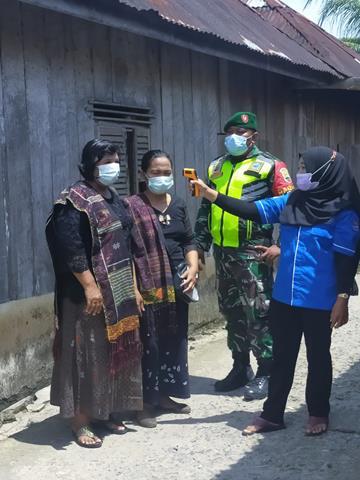 Disiplin Protokol Kesehatan Tetap Dilaksanakan Personel Jajaran Kodim 0207/Simalungun Bersama Dinas Terkait Pada Pesta Masyarakat