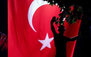 Δημοσκόπηση: Η Τουρκία ο μεγαλύτερος κίνδυνος για την Ελλάδα