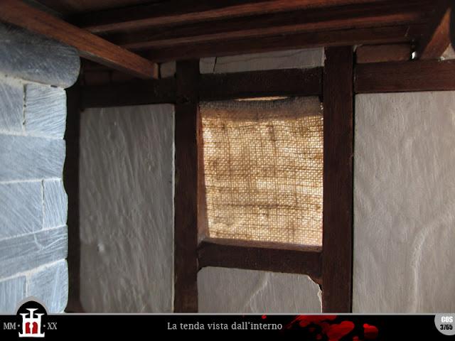 Finestra e tenda viste dall'interno