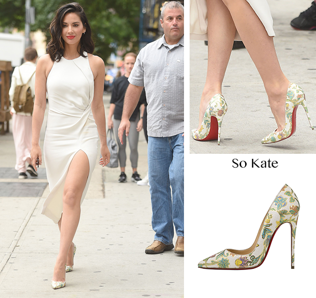 ed47bff978e Olivia Munn - Out in NYC | La Passion des Louboutin