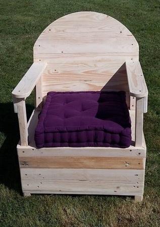 kursi santai dari kayu palet