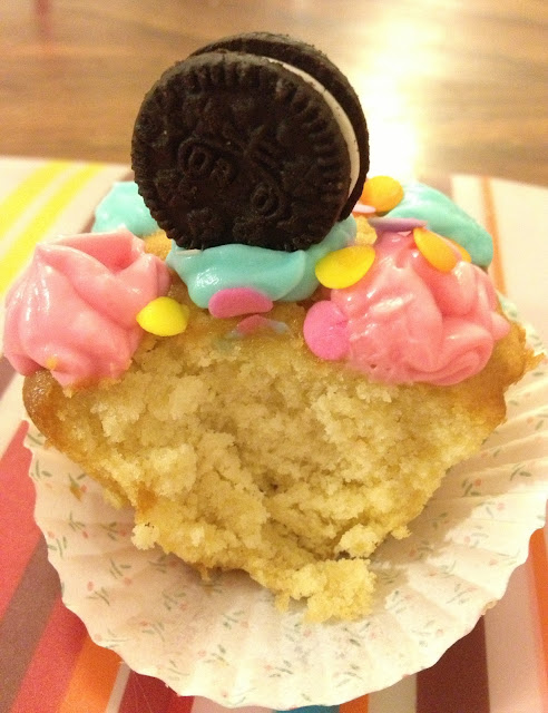 sweet kwisine, cupcake, cuisine facile, cuisine avec les enfants, vanille, topping facile