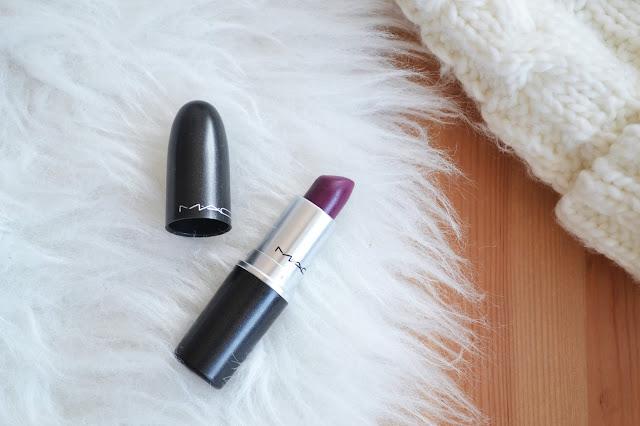 mac lipstick, pomadka, mac, rebel, swatch, uroda, makijaż, burgund,