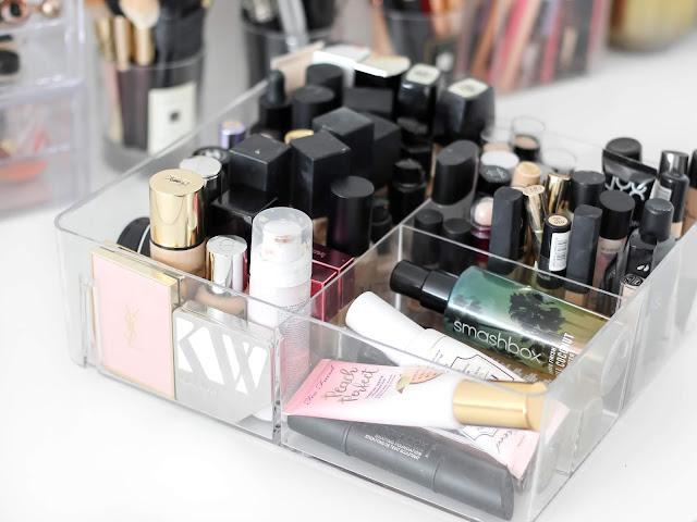 báze pod makeup, makeupy a korektory sbírka