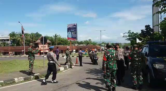 Tak Pakai Masker, Belasan Warga Wonogiri Dihukum Menyanyikan Lagu Indonesia Raya