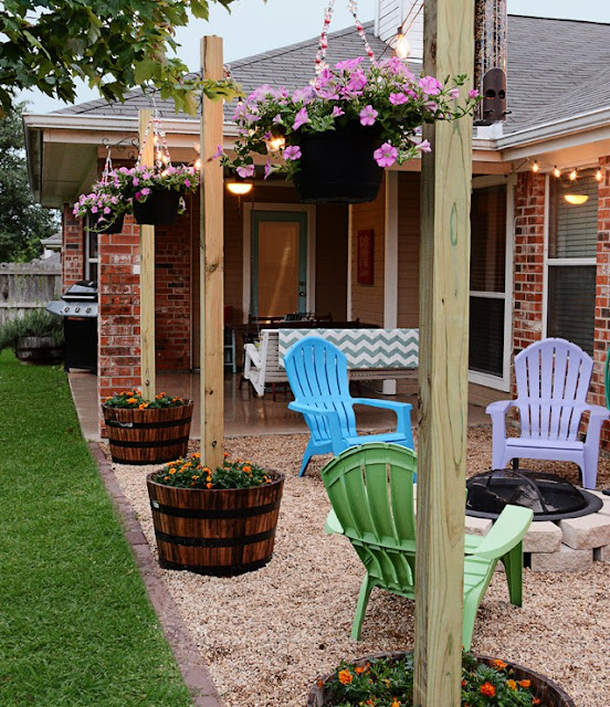 Backyard ideas finding room for color
