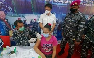 TNI AL Gelar Vaksinasi Di Megamall Manado